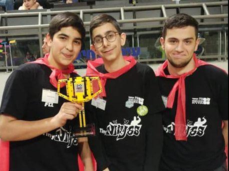 רובוטיקה, תחרות, מחוז